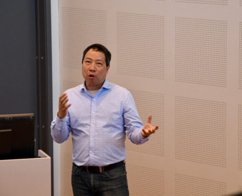 Professor Chunming Rong from the University of Stavanger at the NorTex workshop in Stavanger.